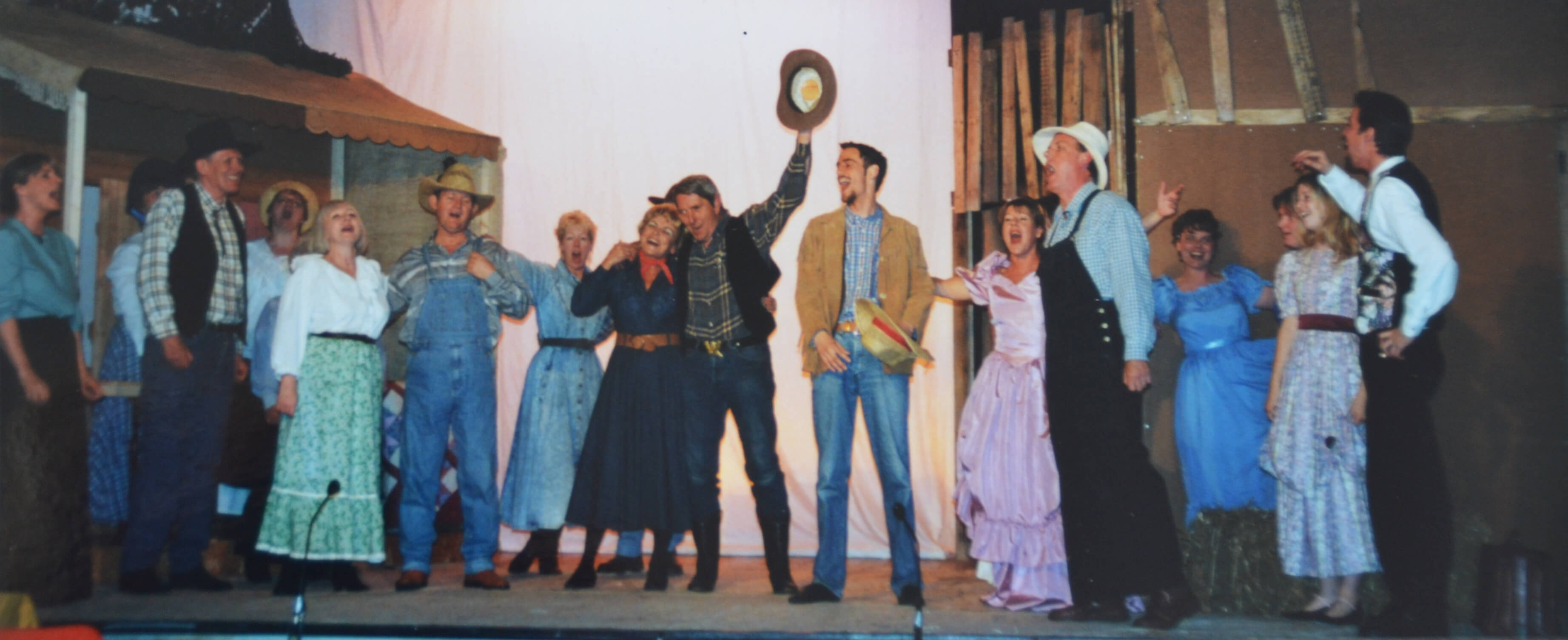 picture of TATS 2000 production of OKLAHOMA